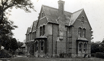 Chalgrave Vicarage about 1900 [Z1306/26/1]